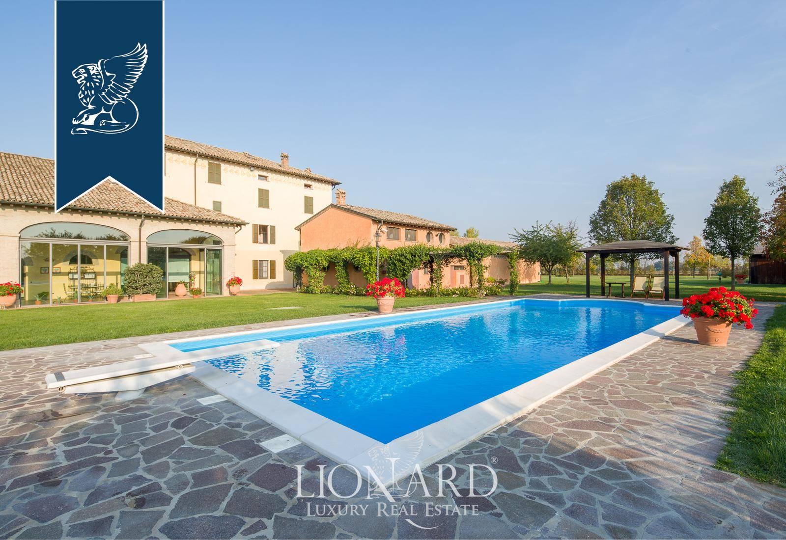 Villa in Vendita a Parma: 0 locali, 900 mq - Foto 1