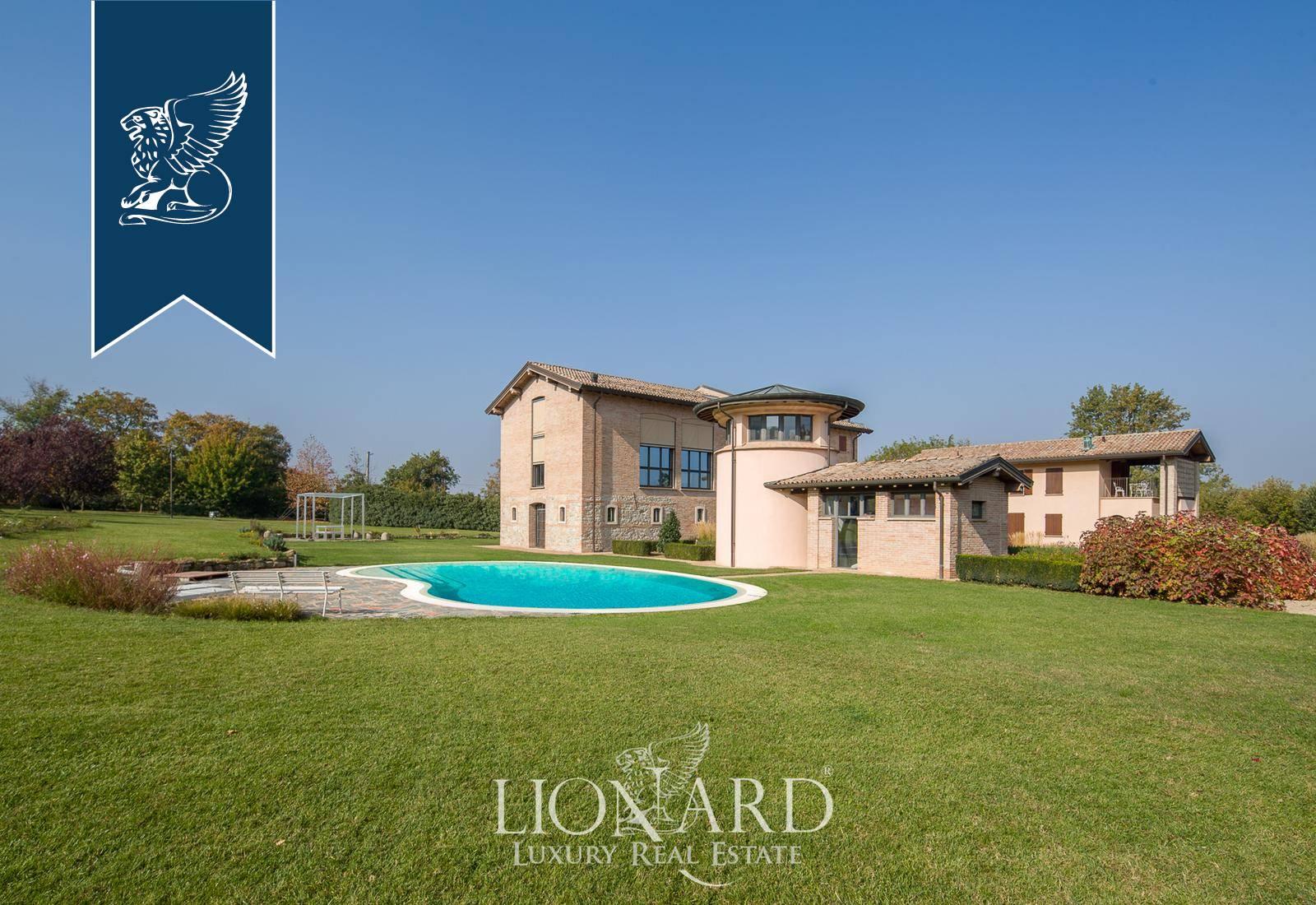 Villa in Vendita a Quattro Castella: 800 mq