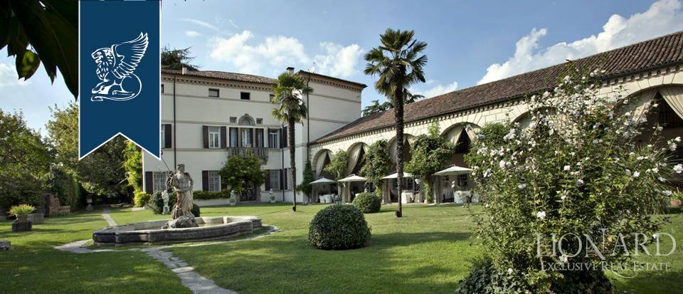 Villa in Vendita a Monselice: 2900 mq