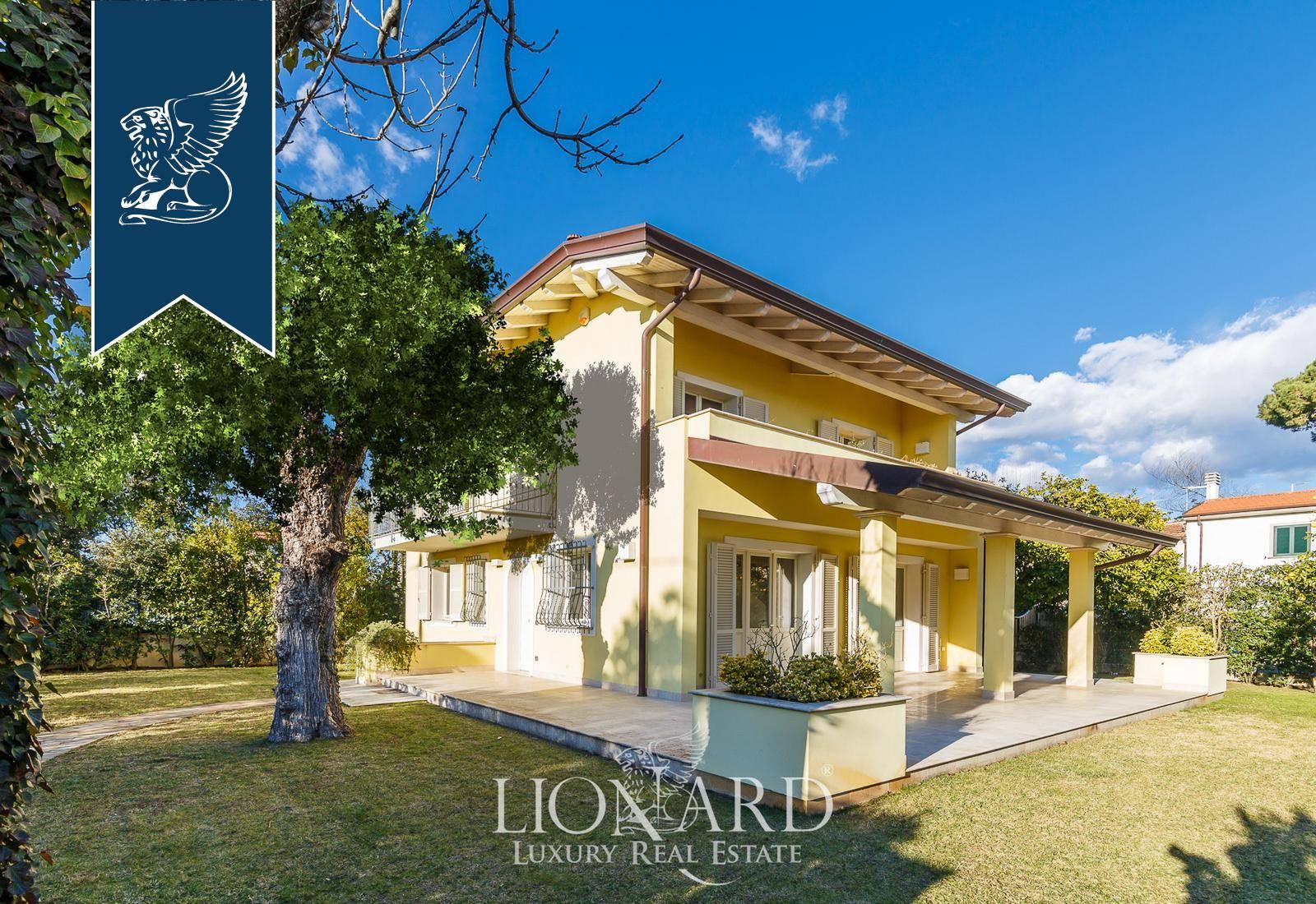 Villa in Vendita a Forte Dei Marmi: 0 locali, 205 mq - Foto 1