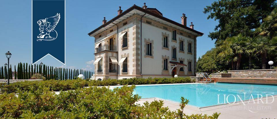 Villa in Vendita a Luino: 1500 mq