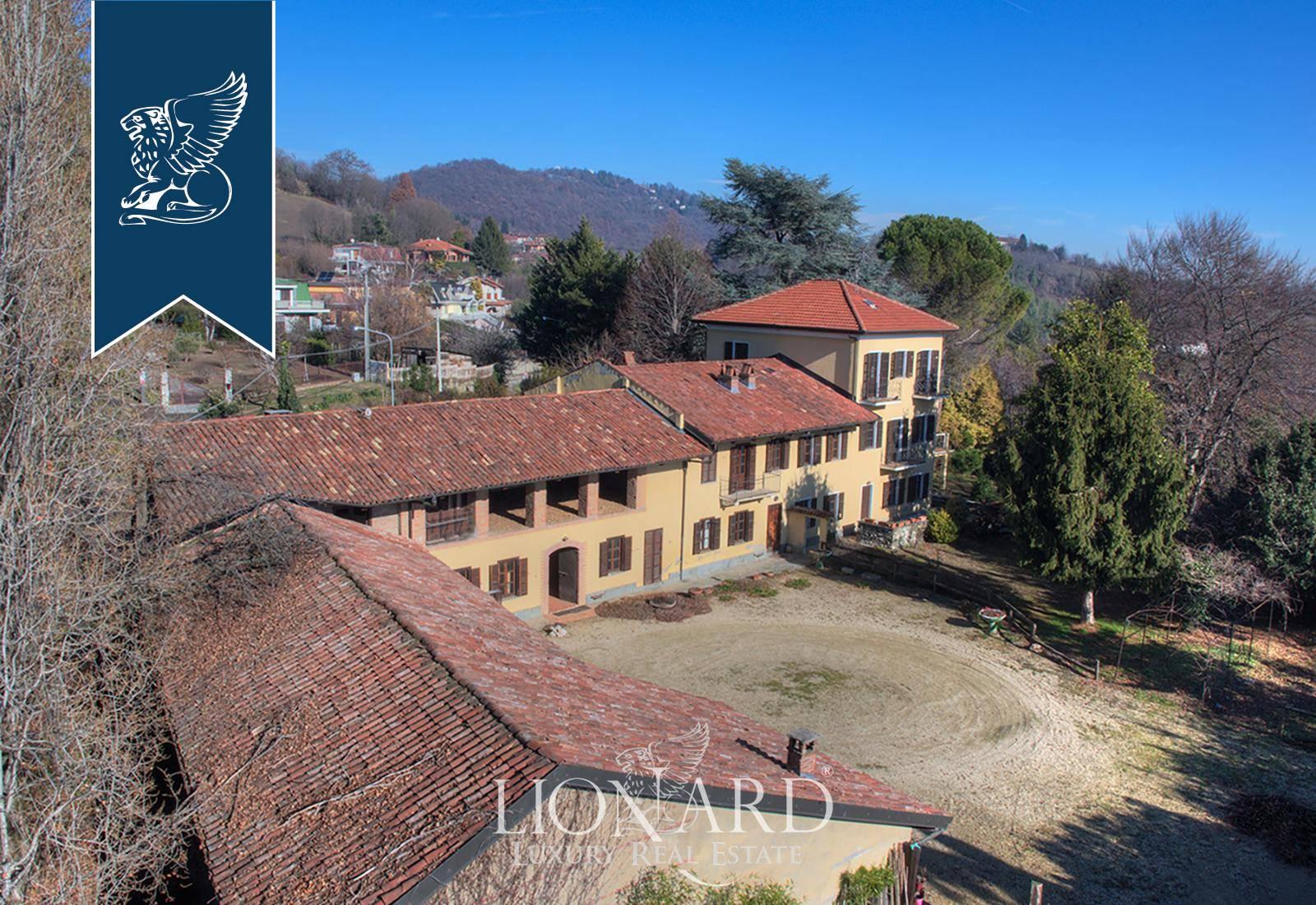 Villa in Vendita a Pecetto Torinese: 1000 mq