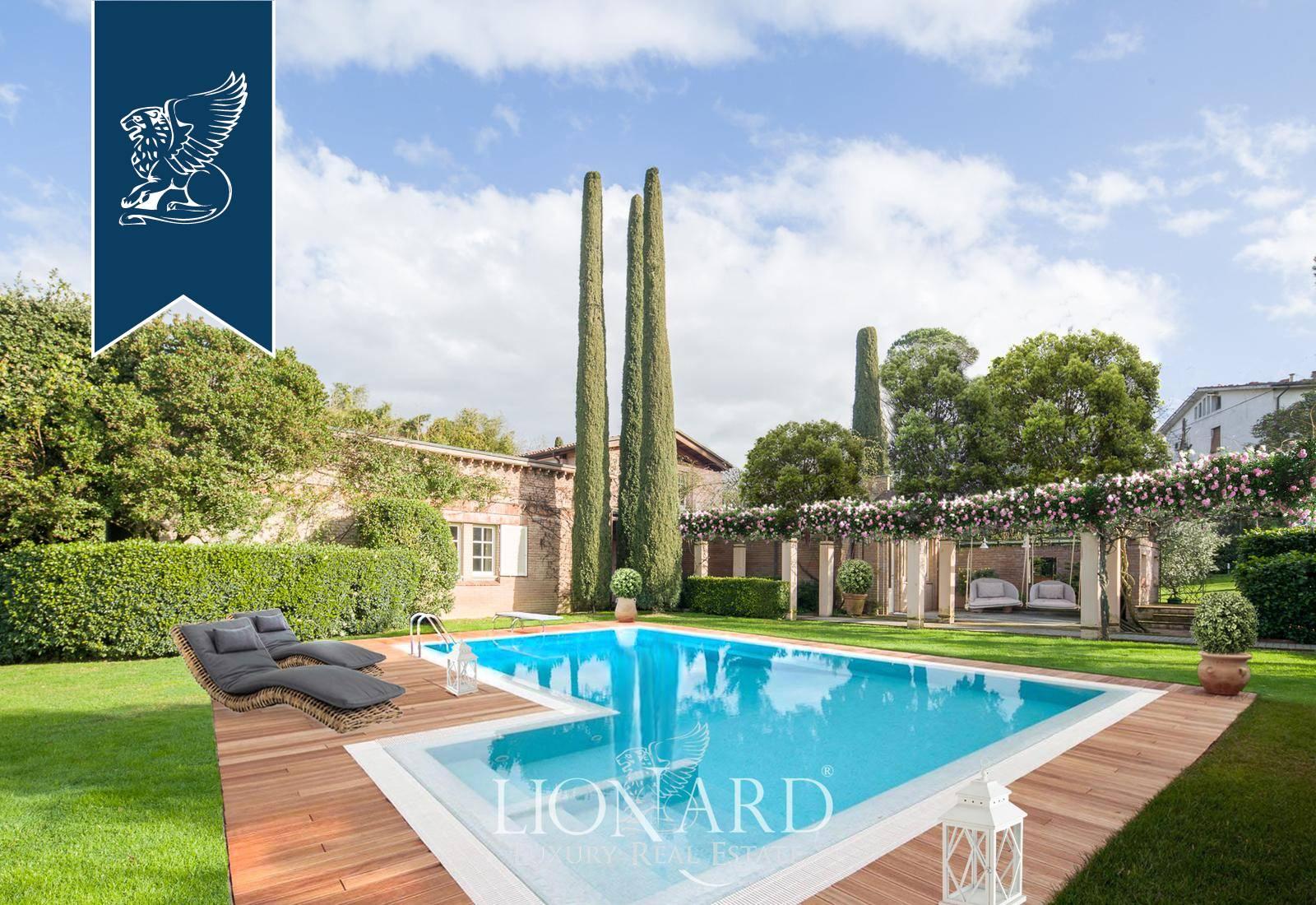 Villa in Vendita a Lucca: 500 mq
