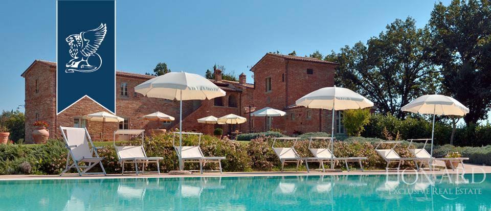 Villa in Vendita a Foiano Della Chiana: 0 locali, 900 mq - Foto 2