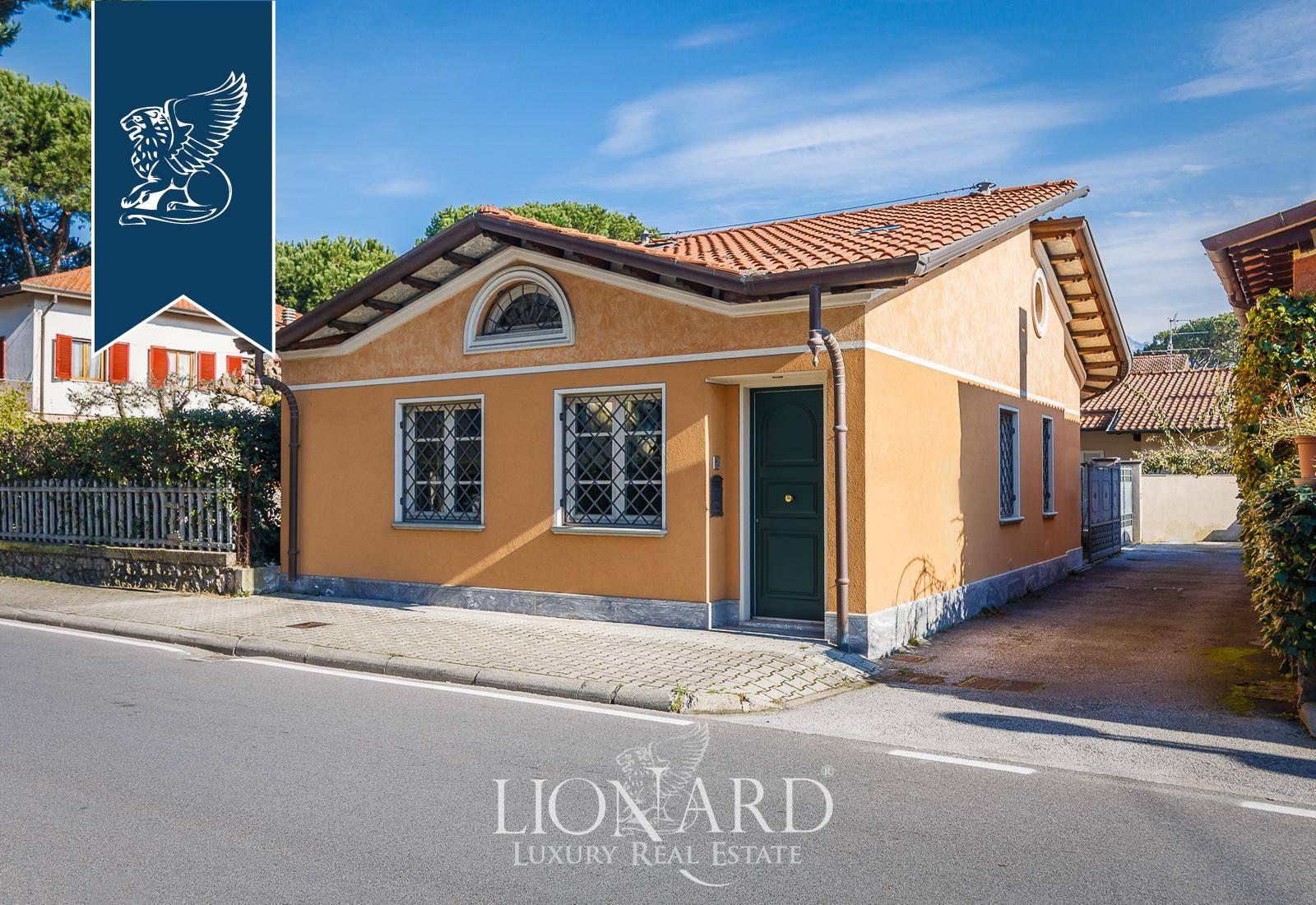 Villa in Vendita a Forte Dei Marmi: 200 mq