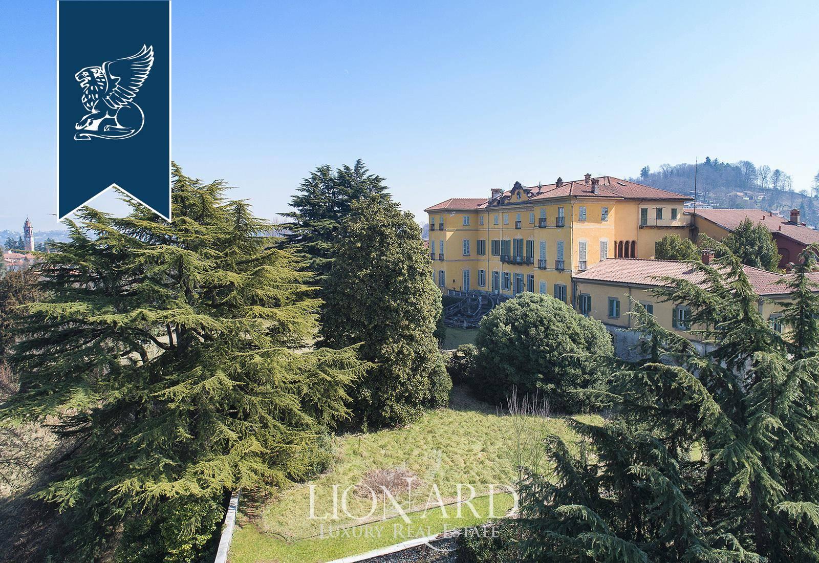 Villa in Vendita a Azzate: 0 locali, 7000 mq - Foto 4