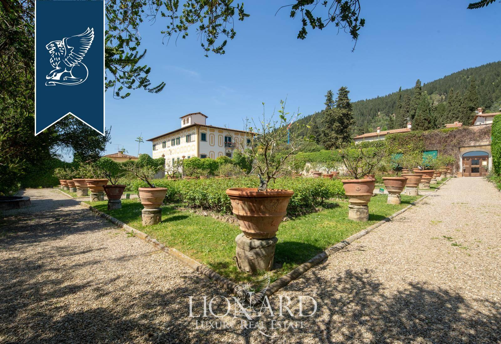 Villa in Vendita a Prato: 0 locali, 4000 mq - Foto 2