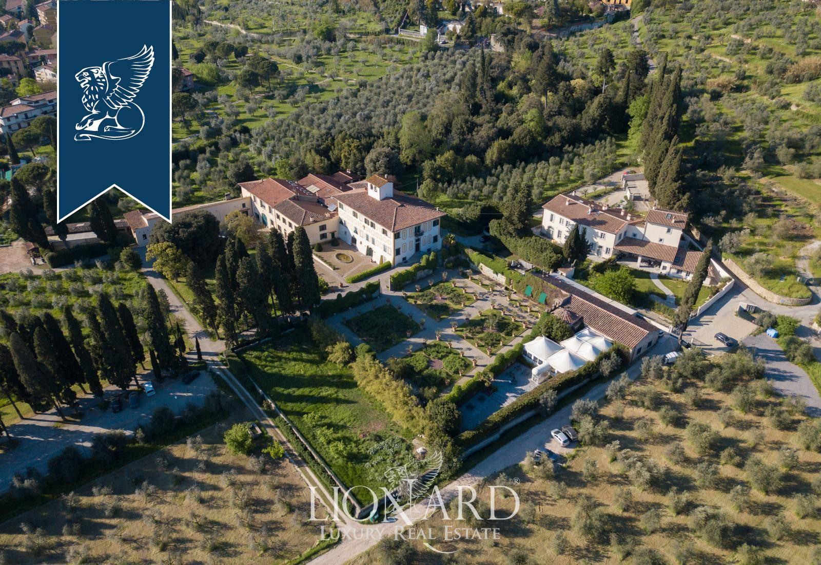 Villa in Vendita a Prato: 0 locali, 4000 mq - Foto 1