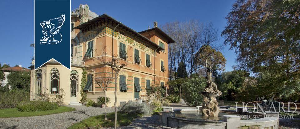 Villa in Vendita a Lucca: 830 mq