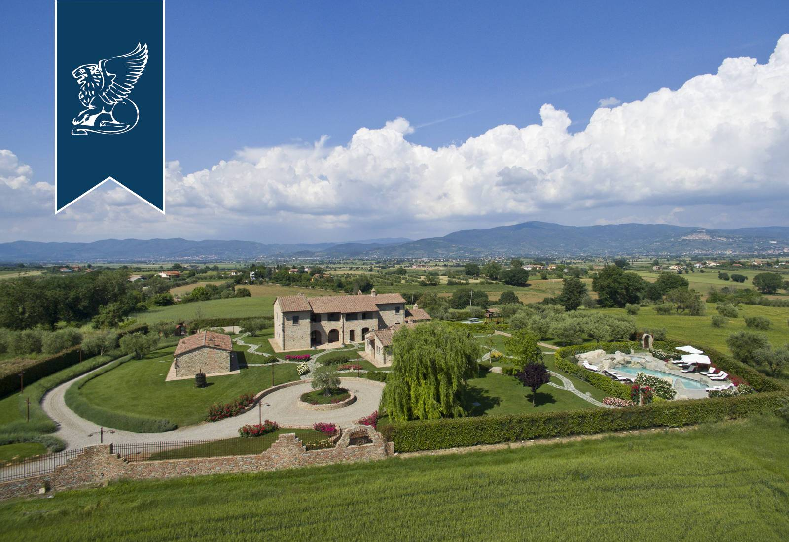 Villa in Vendita a Cortona: 0 locali, 700 mq - Foto 2