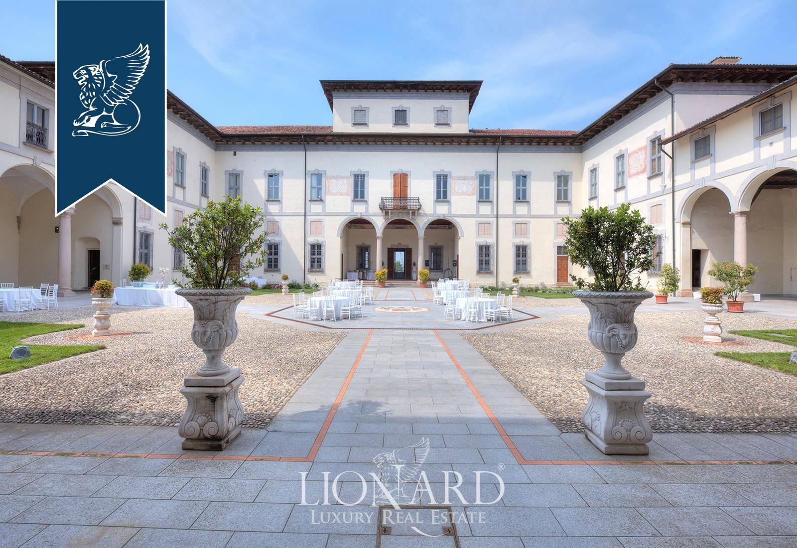 Palazzo in Vendita a Turano Lodigiano