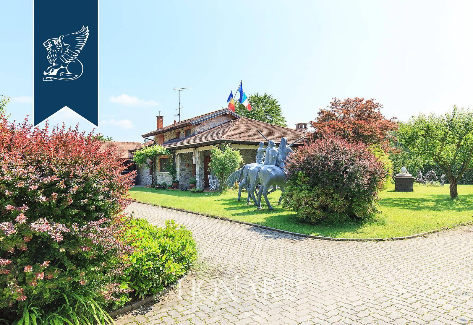 Villa in Vendita a Vergiate: 0 locali, 597 mq - Foto 1