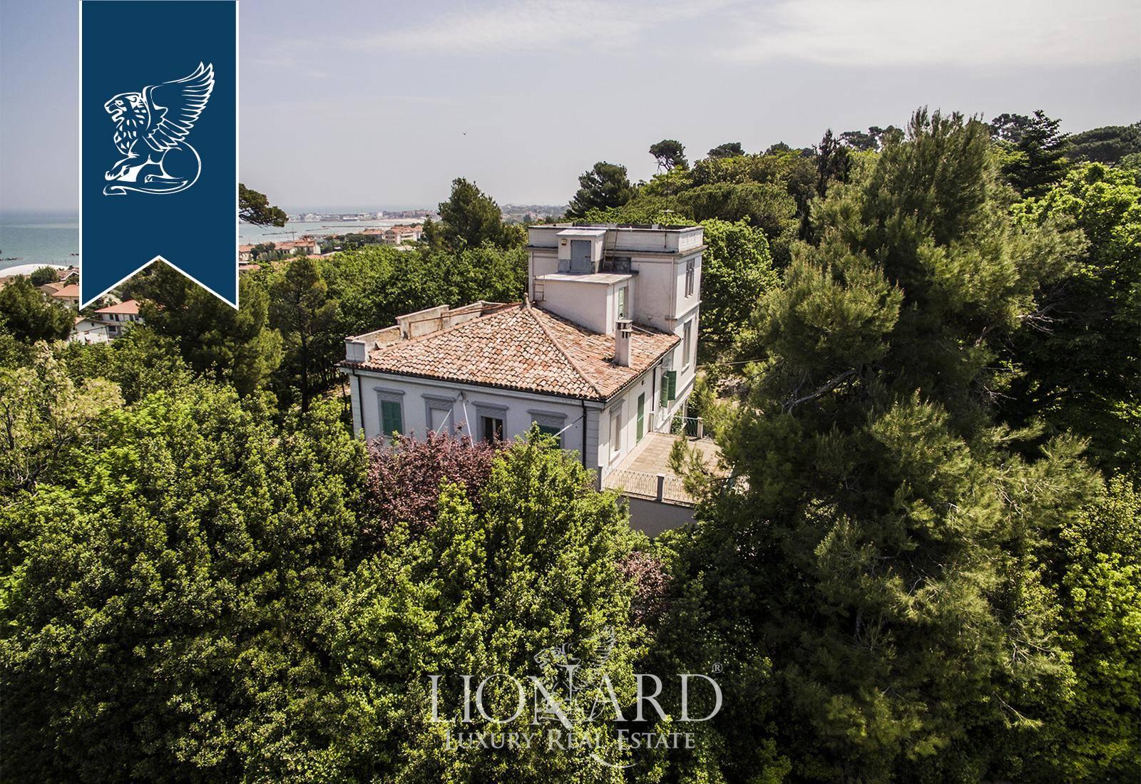 Villa in Vendita a Fano: 0 locali, 450 mq - Foto 1