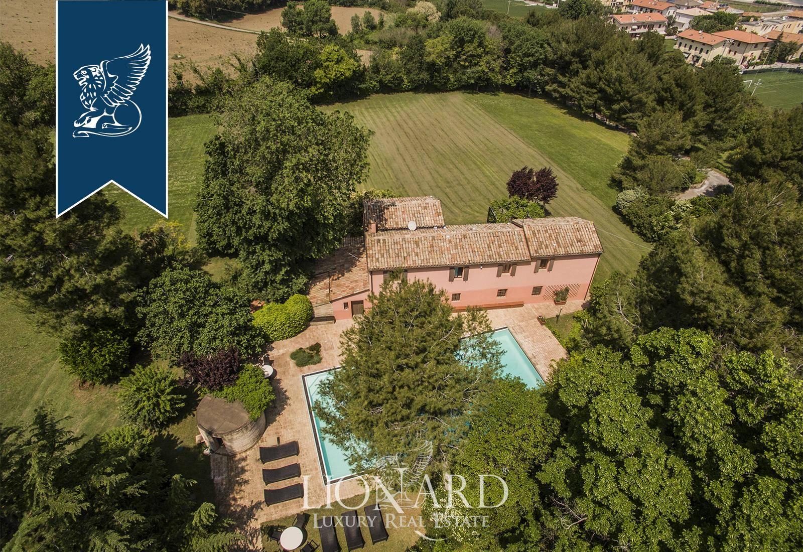 Villa in Vendita a Fano: 0 locali, 350 mq - Foto 2