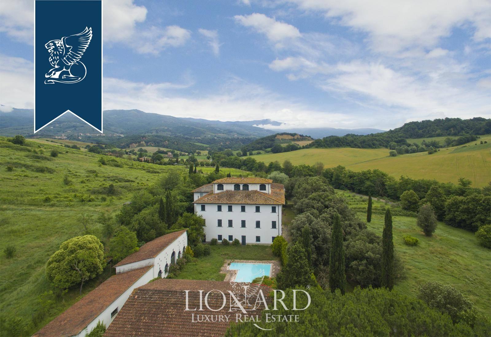 Villa in Vendita a Terranuova Bracciolini: 3000 mq