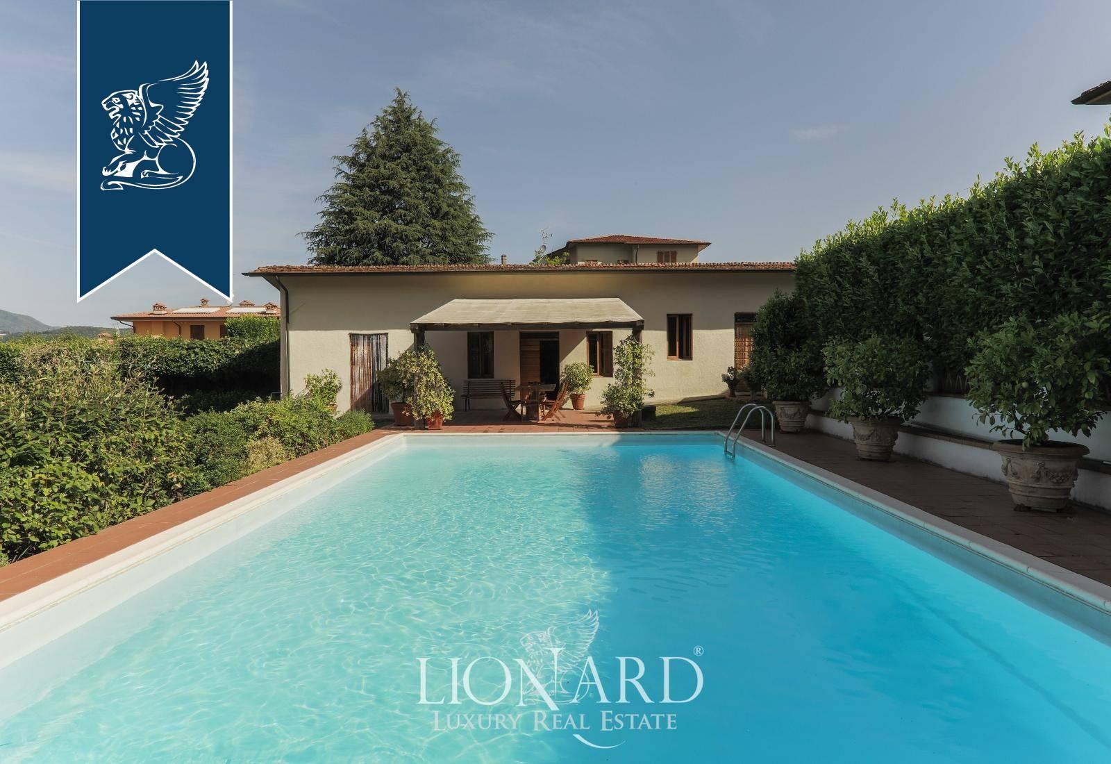 Villa in Vendita a Barga: 713 mq  - Foto 1
