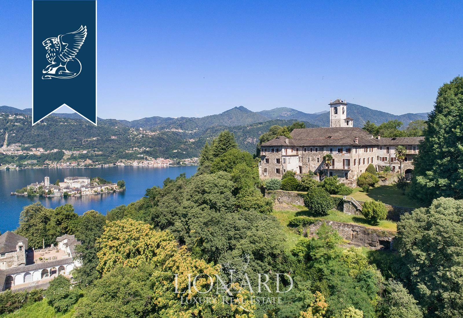 Villa in Vendita a Orta San Giulio: 2760 mq