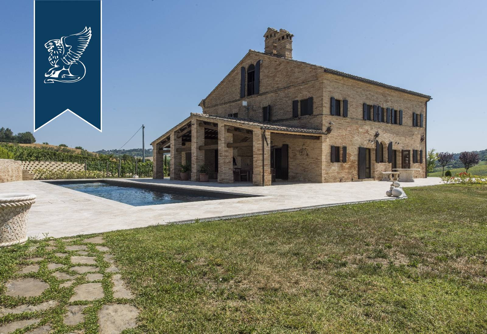 Villa in Vendita a Loro Piceno: 0 locali, 740 mq - Foto 4