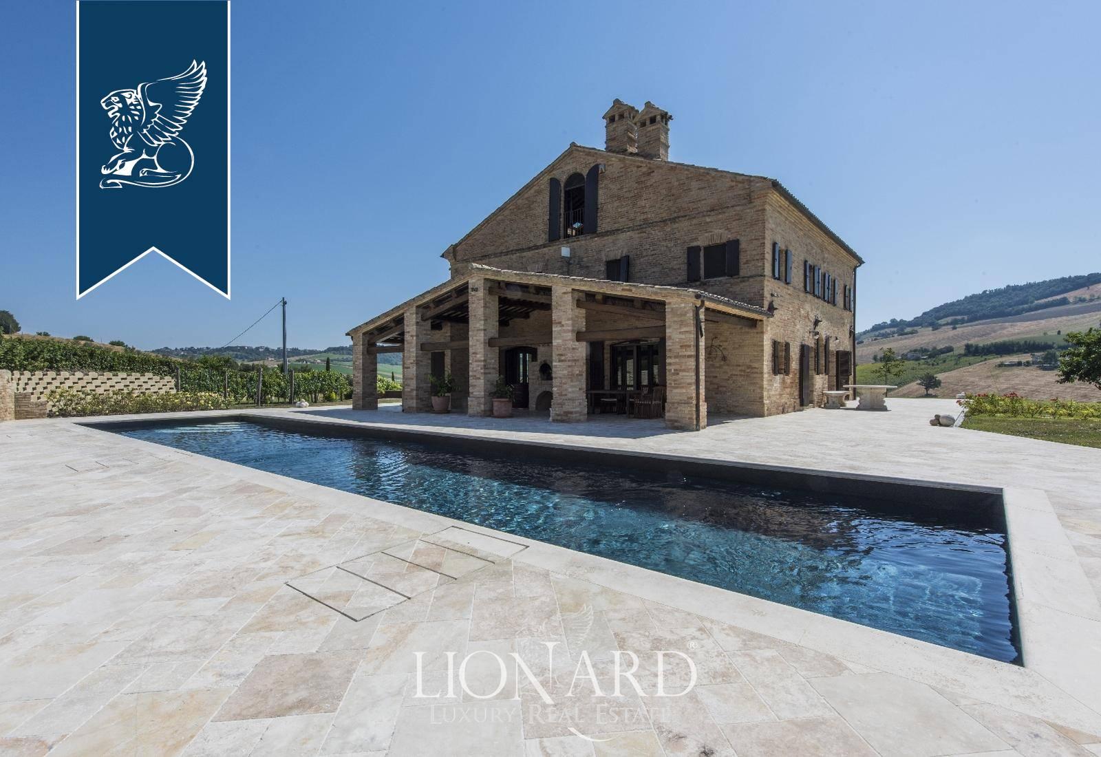 Villa in Vendita a Loro Piceno: 0 locali, 740 mq - Foto 2