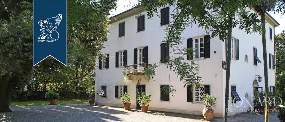 Villa in Vendita a Lucca: 0 locali, 900 mq - Foto 2