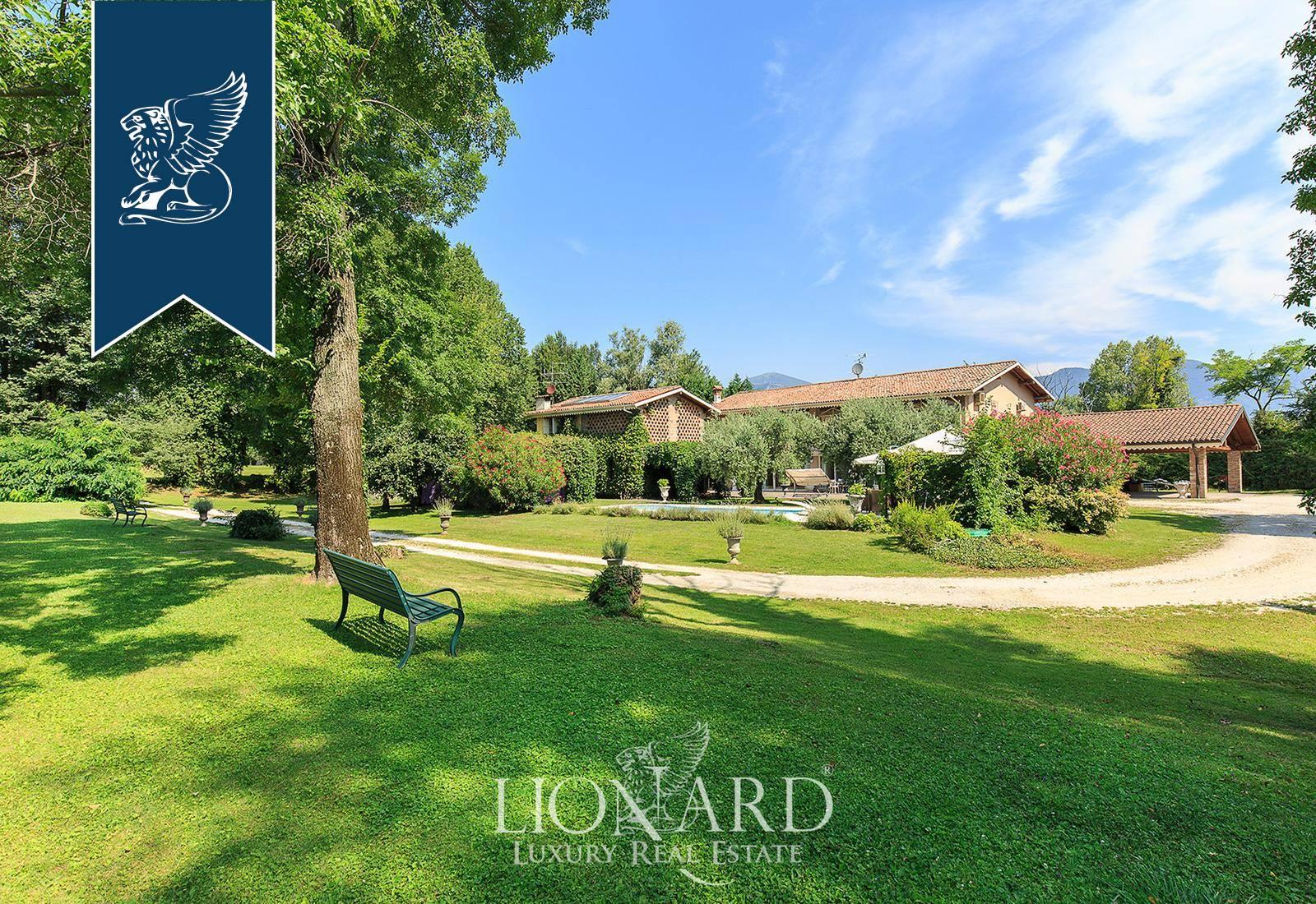 Villa in Vendita a Corte Franca: 0 locali, 750 mq - Foto 3