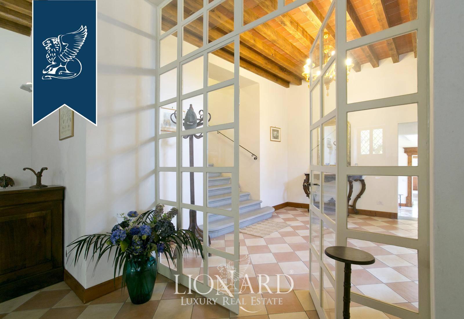 Azienda in Vendita a Citta' Di Castello: 1500 mq