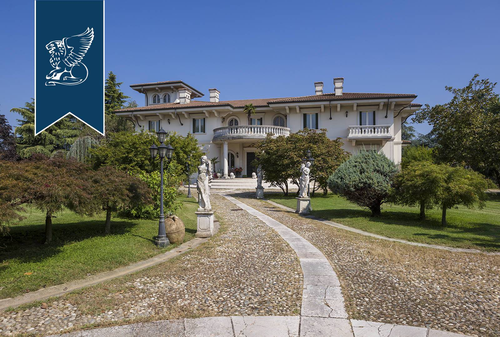 Villa in Vendita a Castrezzato: 0 locali, 1700 mq - Foto 3