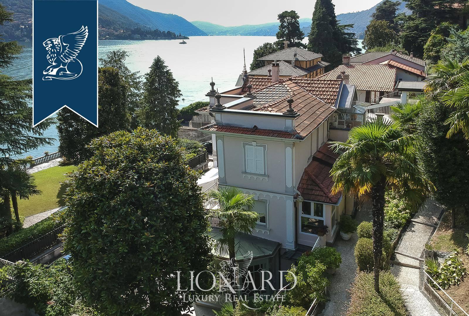 Villa in Vendita a Carate Urio