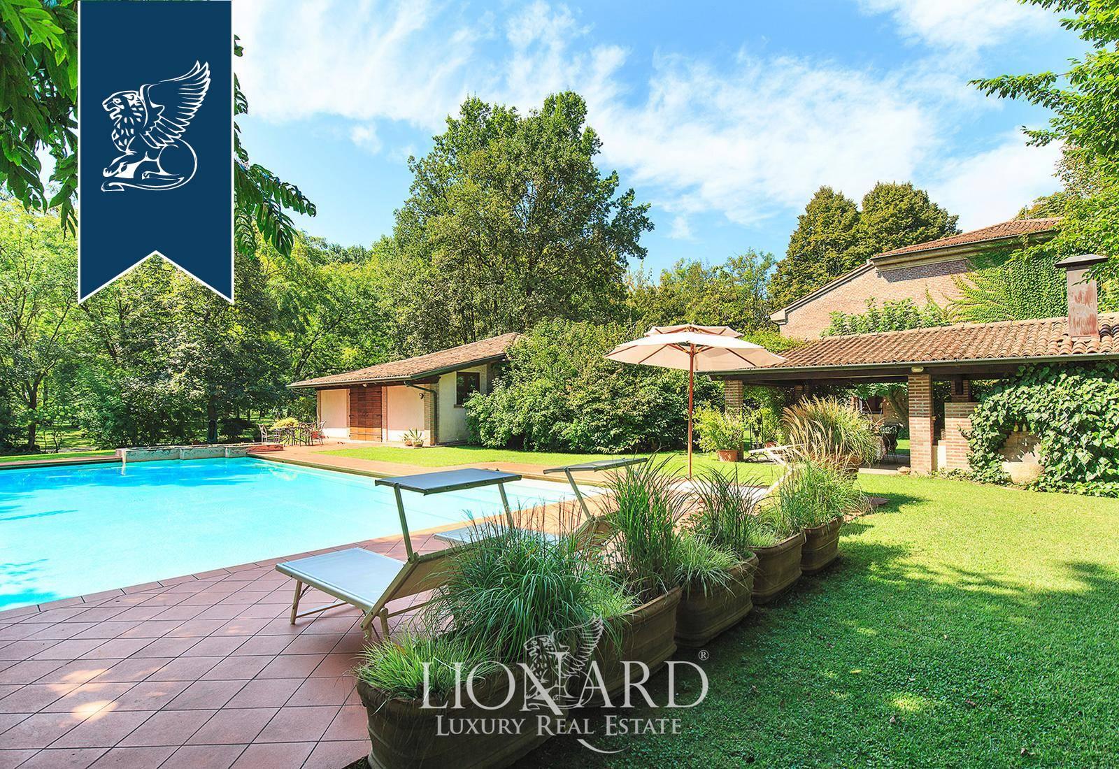 Villa in Vendita a Roncoferraro: 0 locali, 600 mq - Foto 1