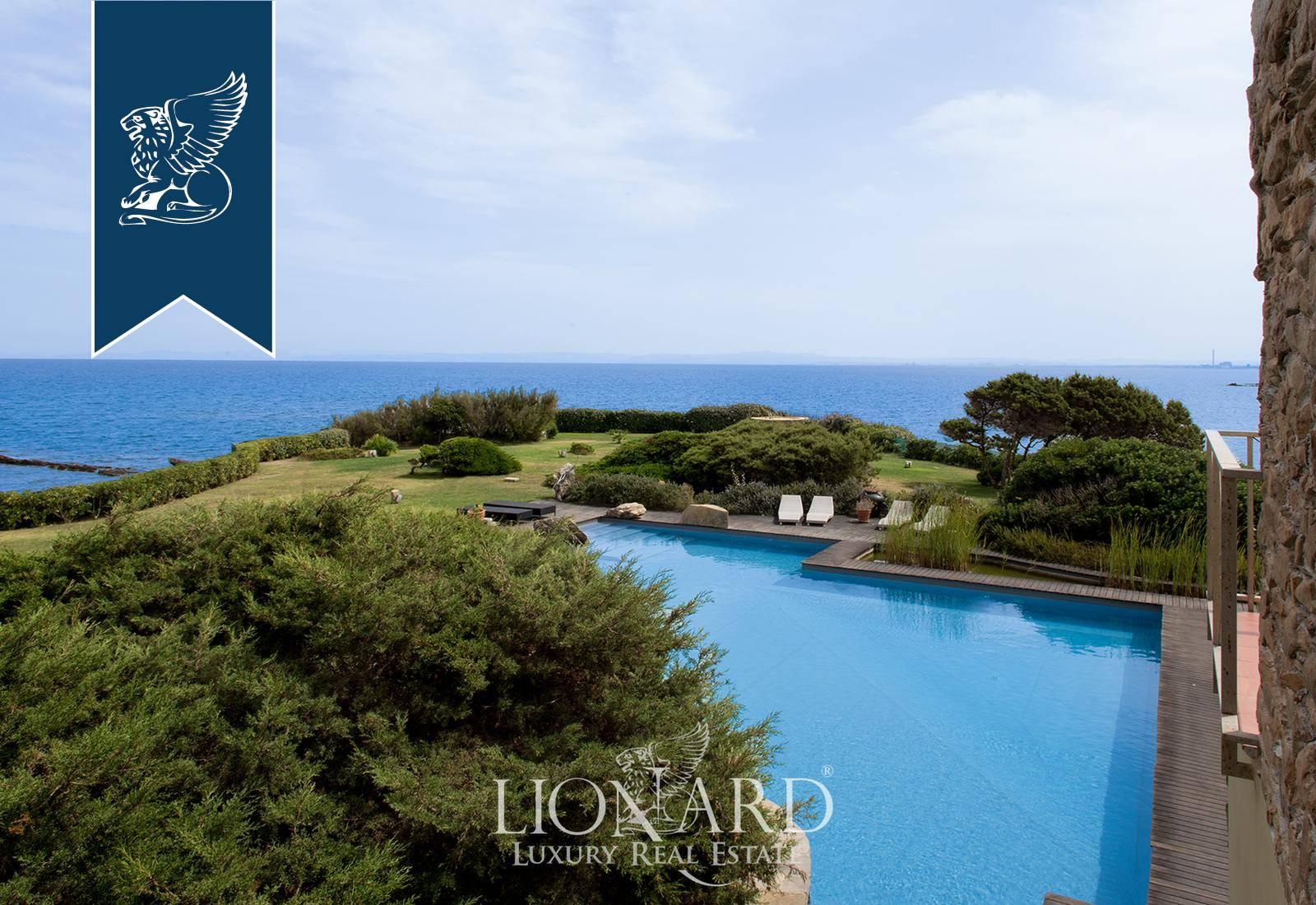 Villa in Vendita a Stintino: 600 mq