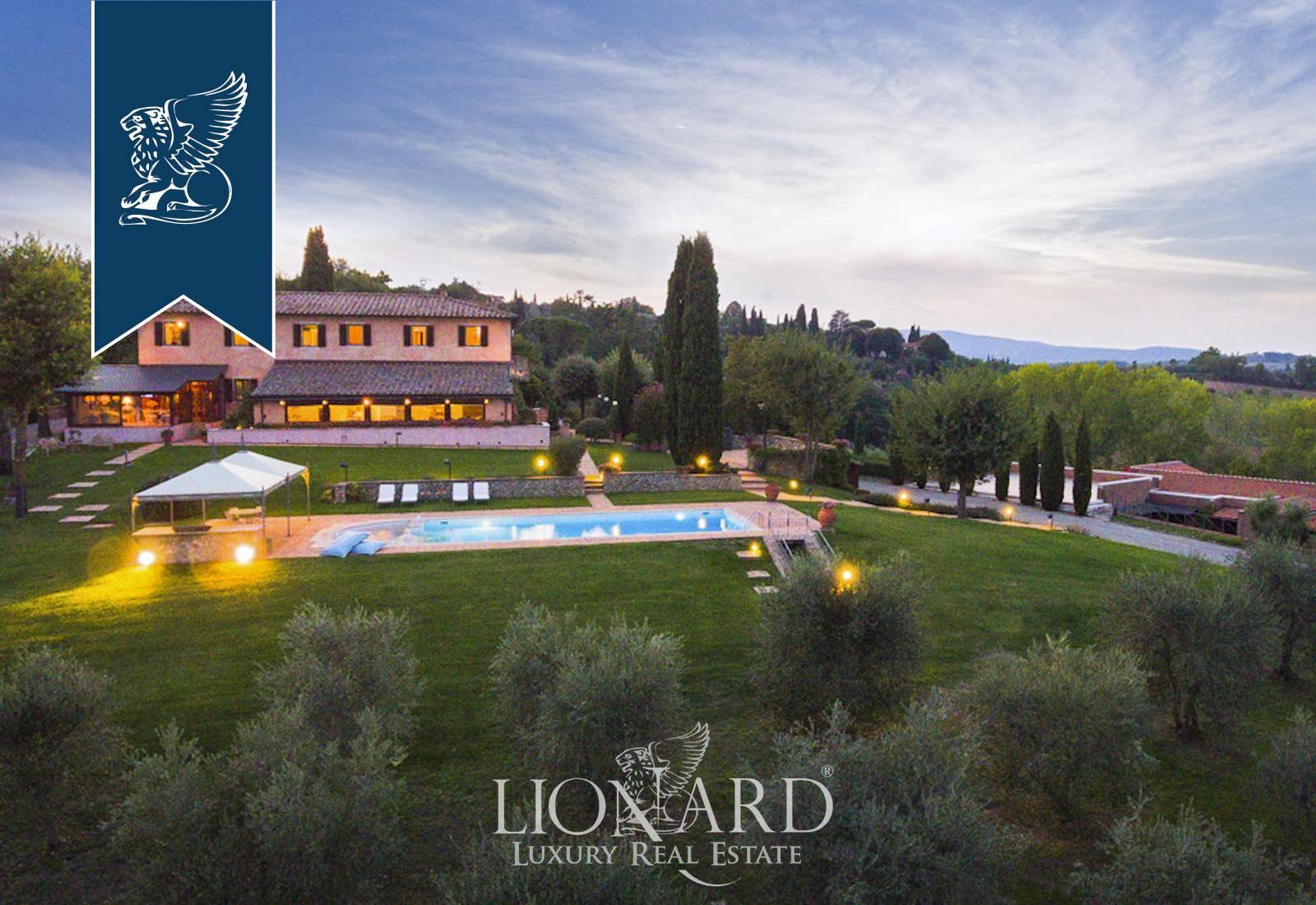 Villa in Vendita a Siena: 600 mq