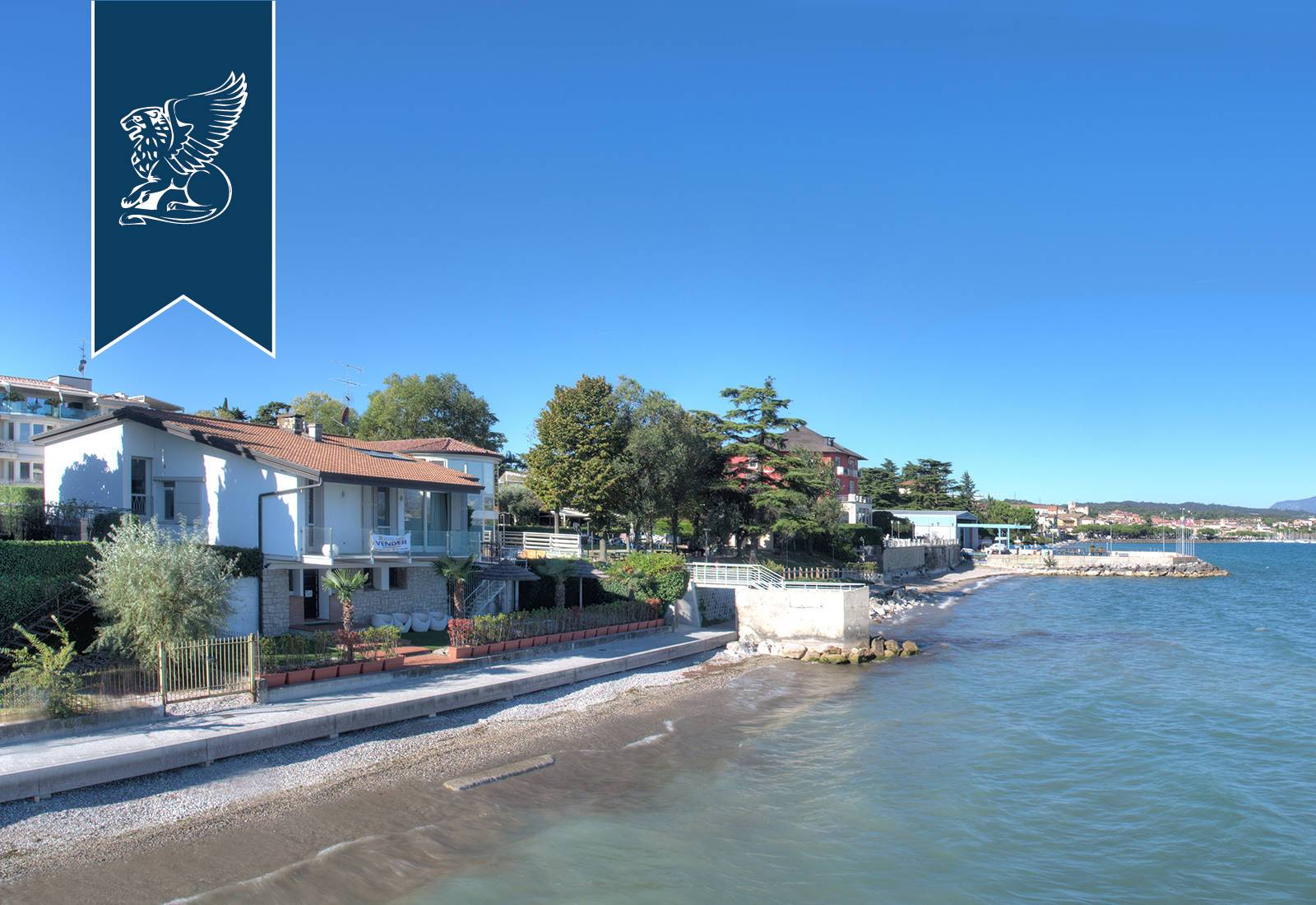 Villa in Vendita a Desenzano Del Garda: 230 mq