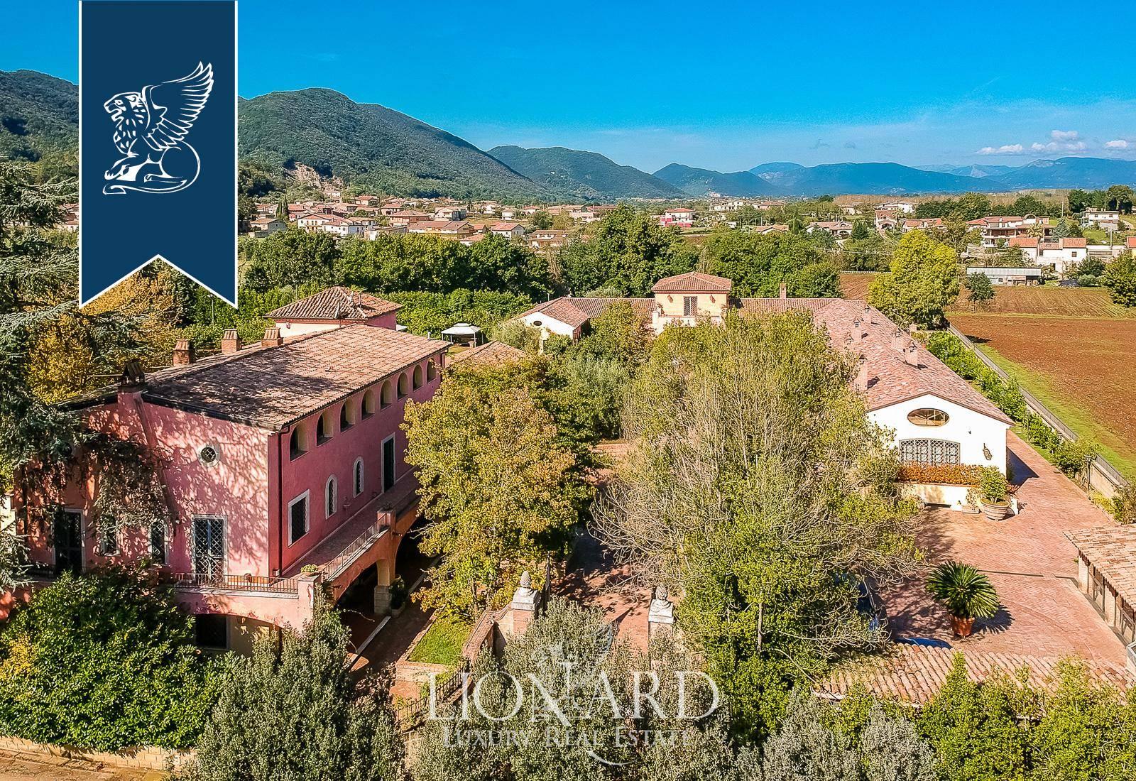 Villa in Vendita a Dragoni: 0 locali, 2300 mq - Foto 1