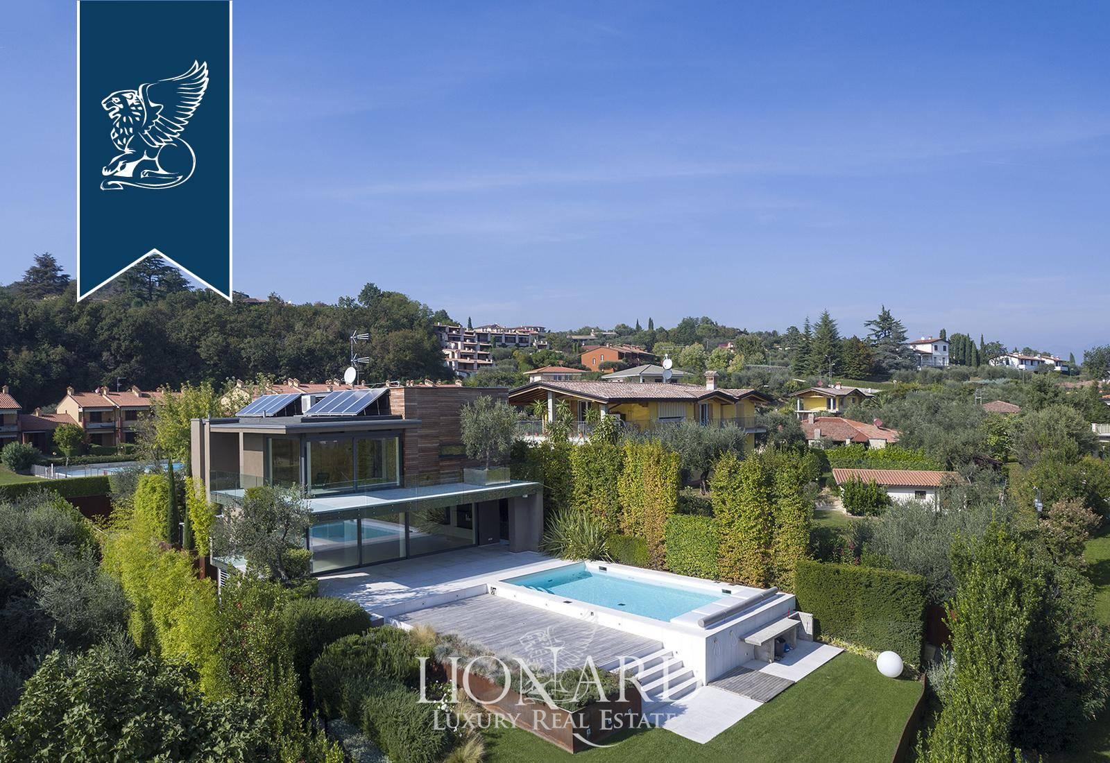 Villa in Vendita a Soiano Del Lago: 300 mq