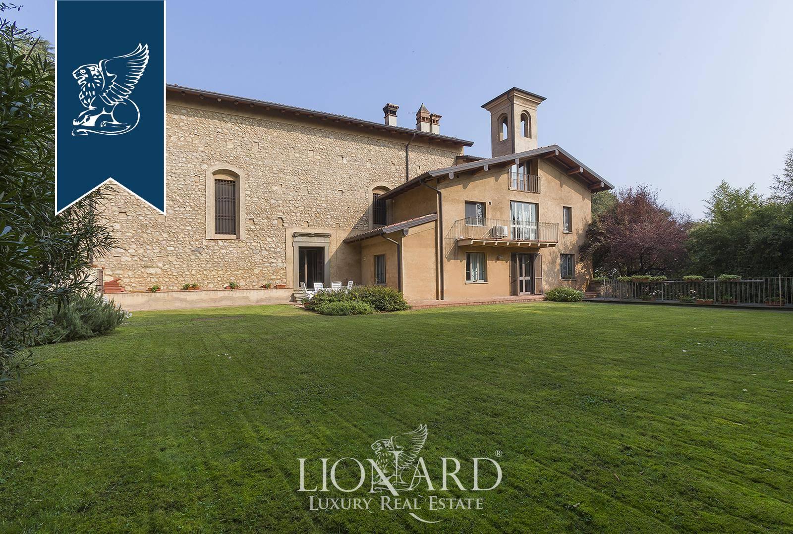 Villa in Vendita a Rovato: 550 mq