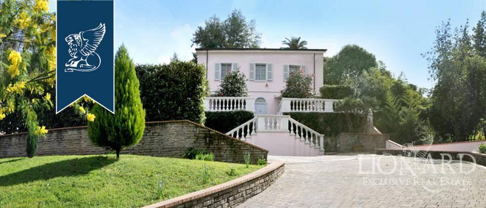 Villa in Vendita a Carrara: 0 locali, 300 mq - Foto 1