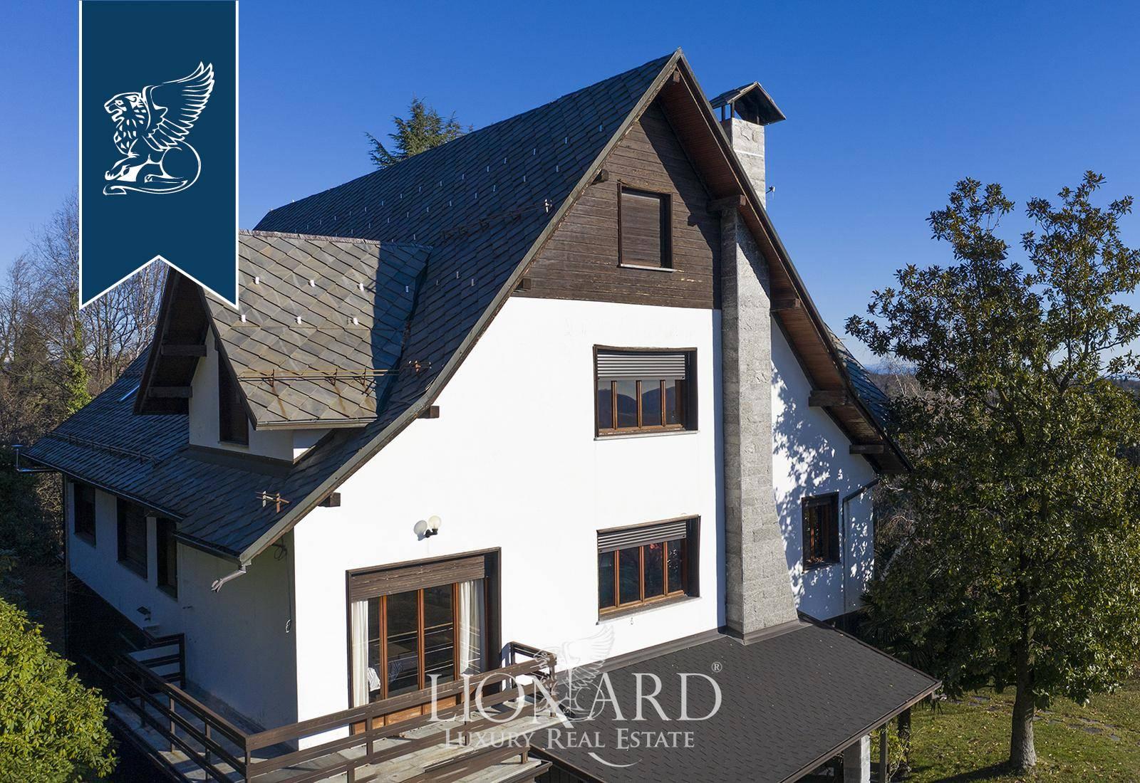 Villa in Vendita a Arona: 0 locali, 1500 mq - Foto 2