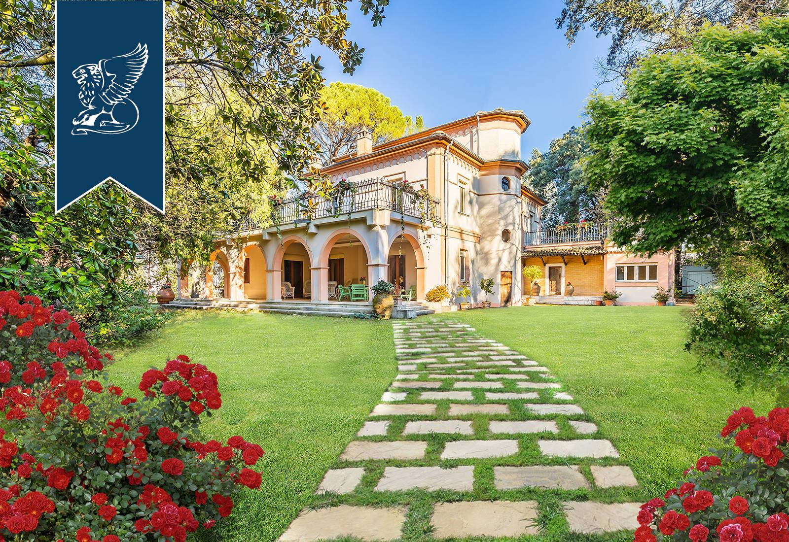 Villa in Vendita a Terni: 620 mq