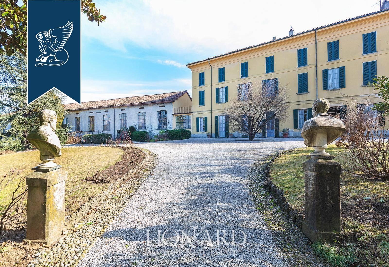 Villa in Vendita a Rogeno: 3000 mq