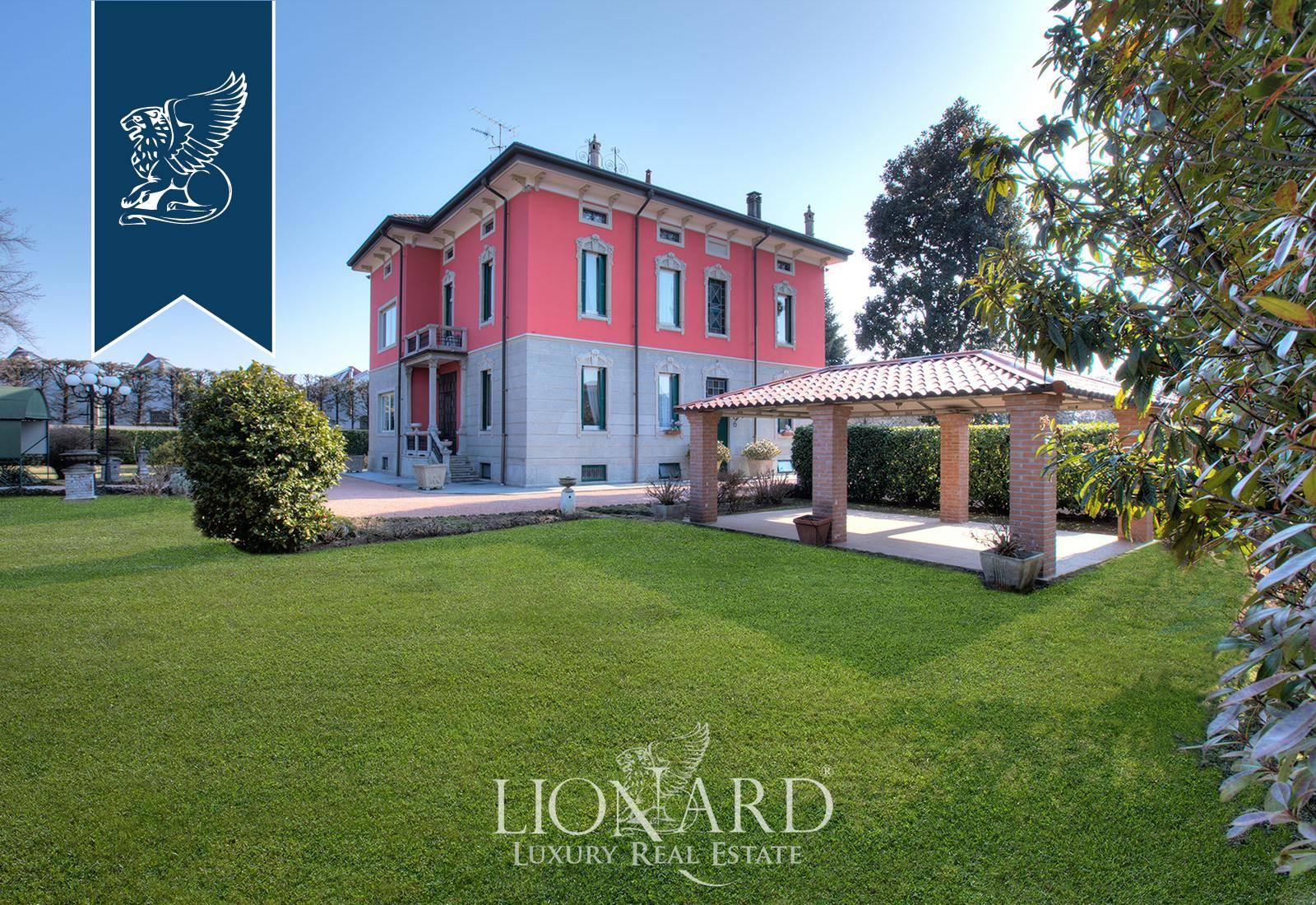 Villa in Vendita a Magnago: 0 locali, 560 mq - Foto 2