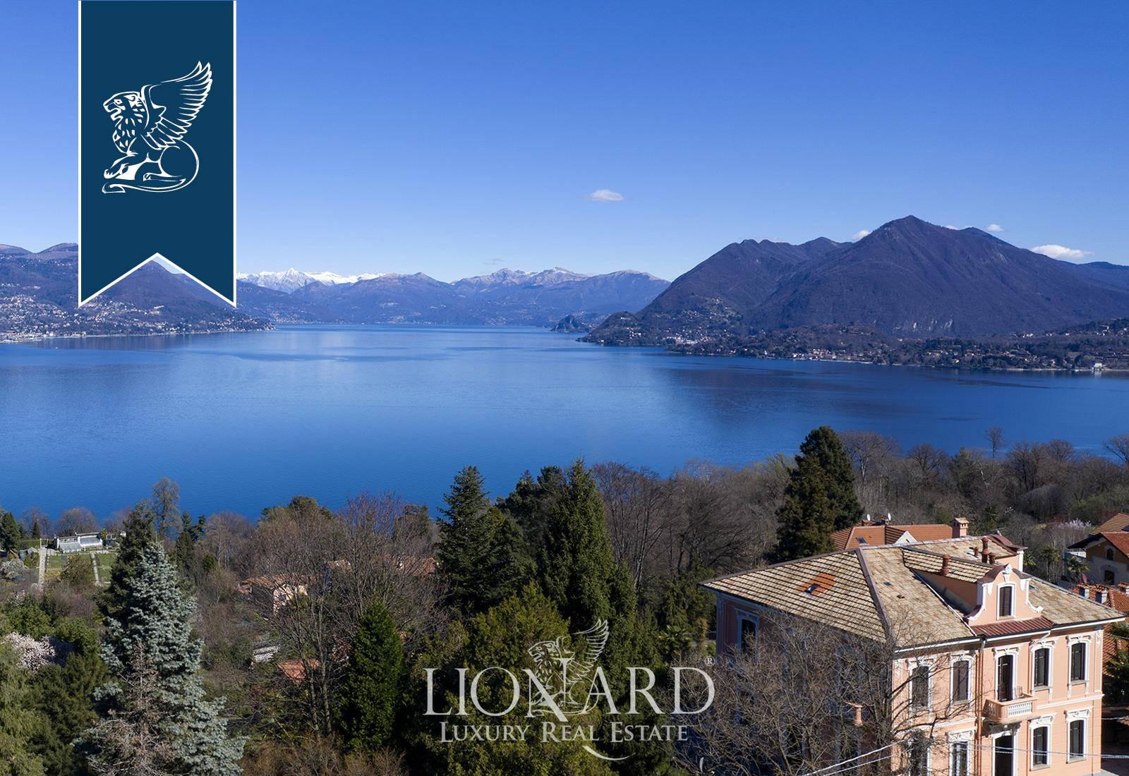 Villa in Vendita a Stresa: 700 mq