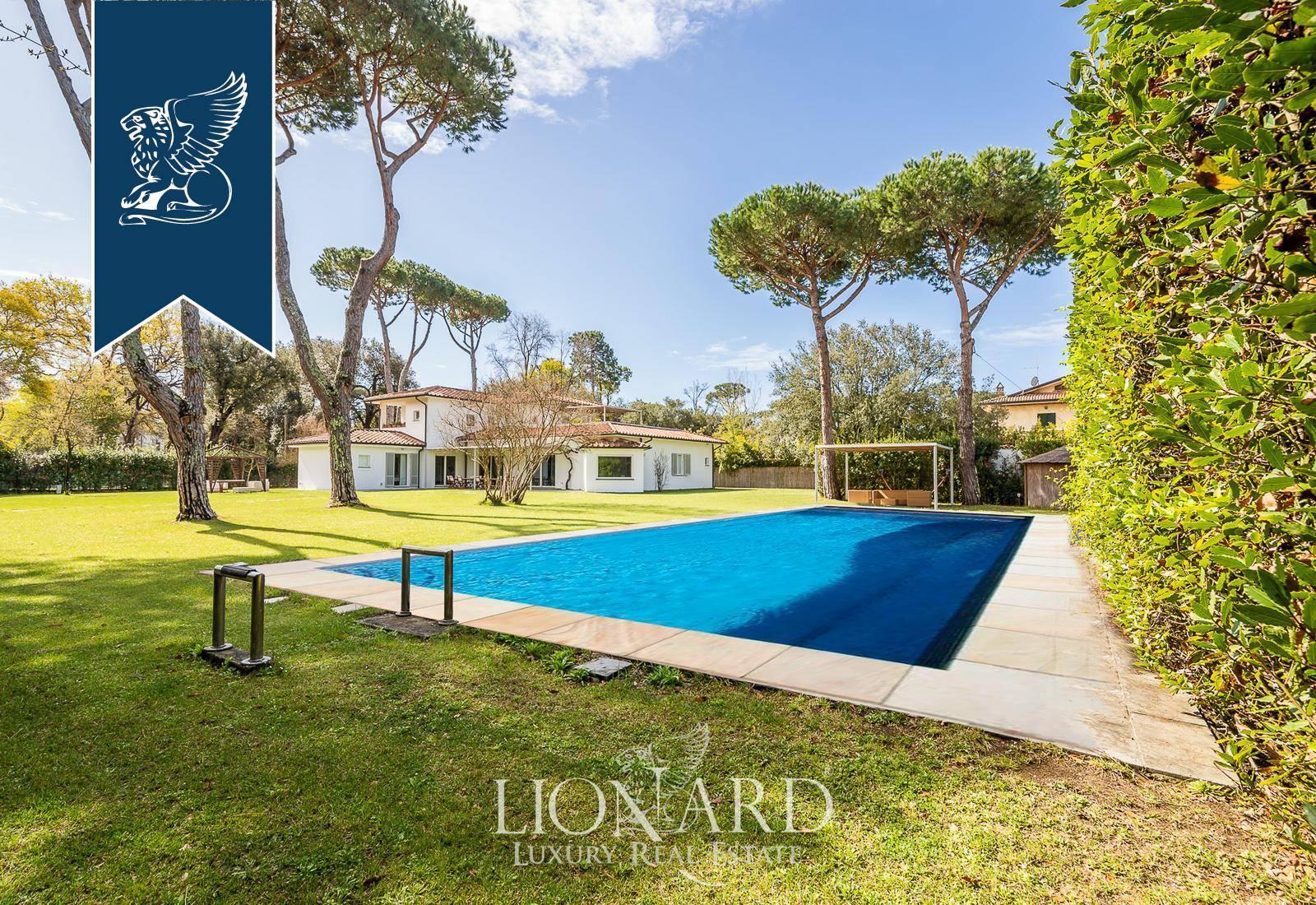 Villa in Vendita a Forte Dei Marmi: 400 mq