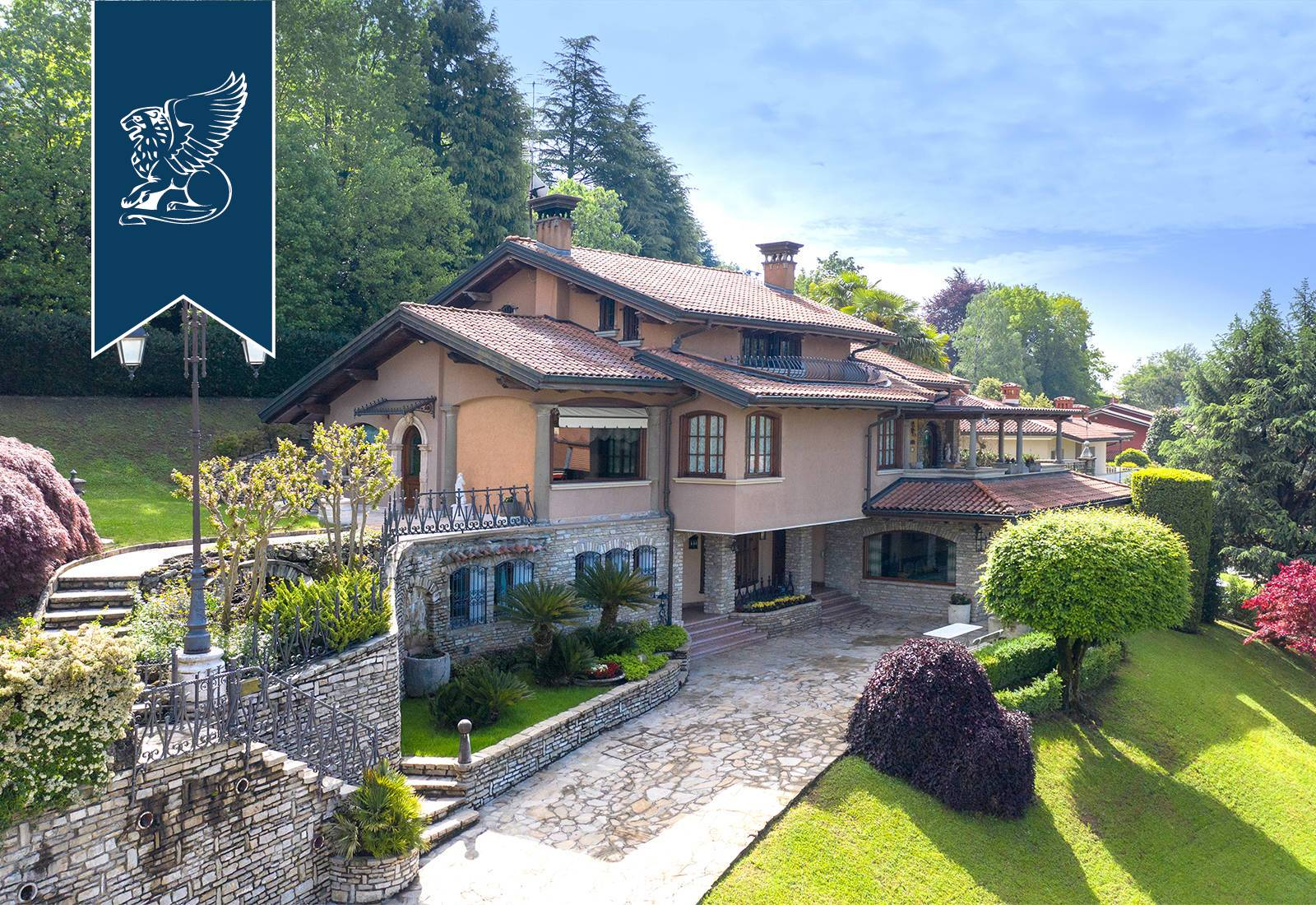 Villa in Vendita a Ponteranica: 0 locali, 590 mq - Foto 1