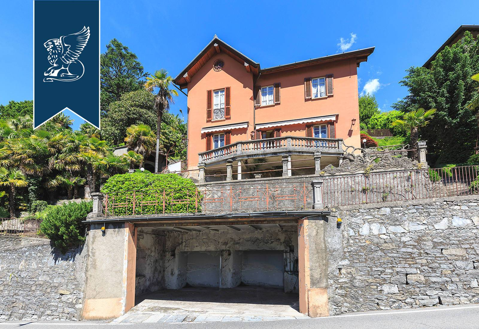 Villa in Vendita a Cernobbio: 300 mq