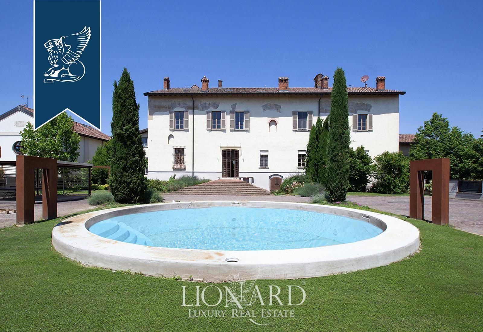 Villa in Vendita a San Genesio Ed Uniti: 1000 mq  - Foto 1