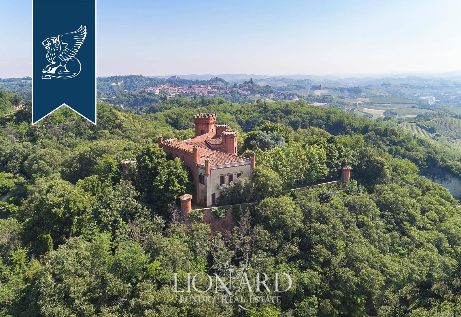 Villa in Vendita a Baldissero D'Alba: 2500 mq