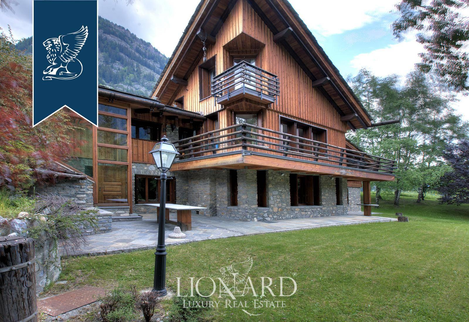 Villa in Vendita a Pre'-Saint-Didier: 800 mq