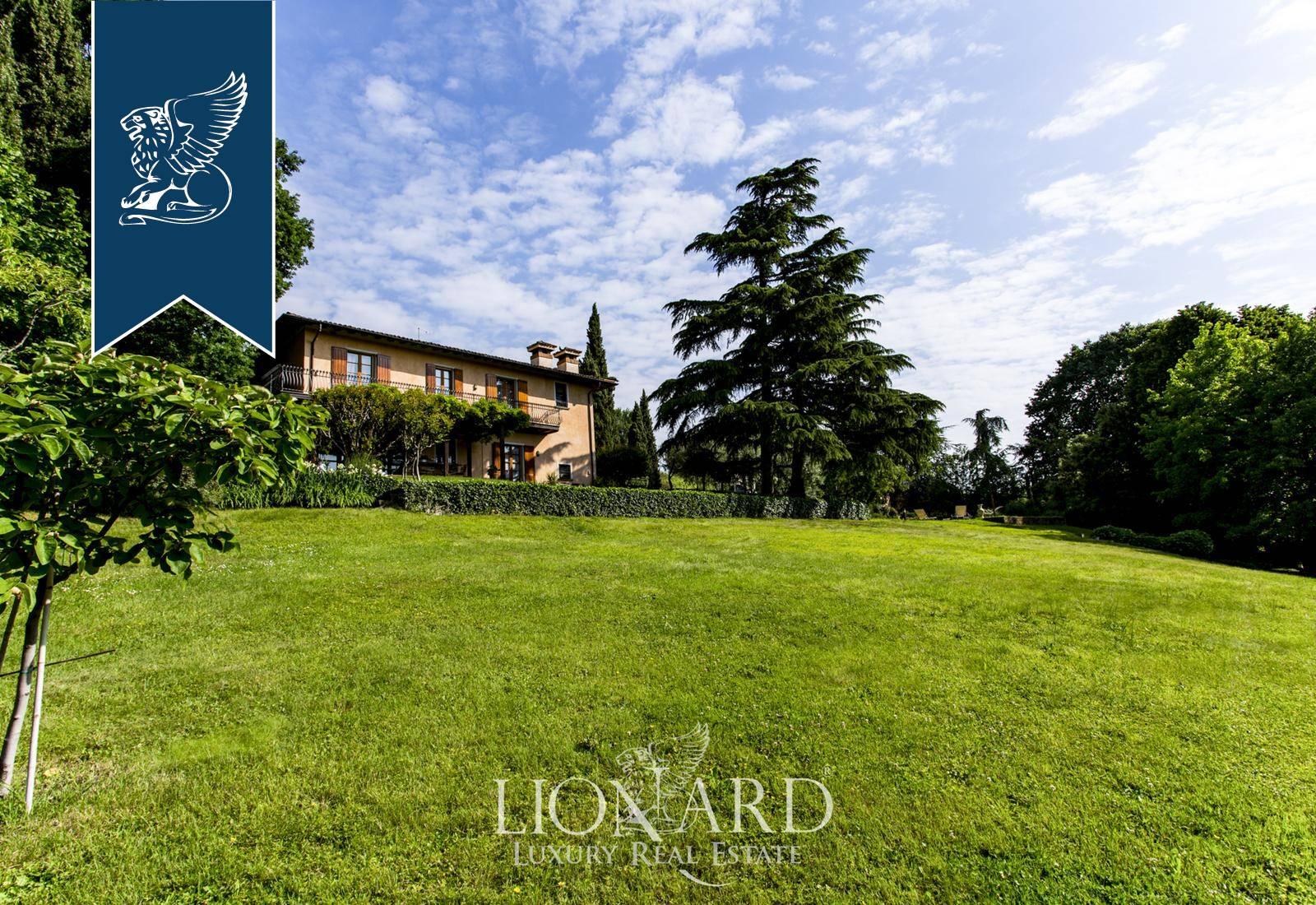 Villa in Vendita a Rovato: 610 mq
