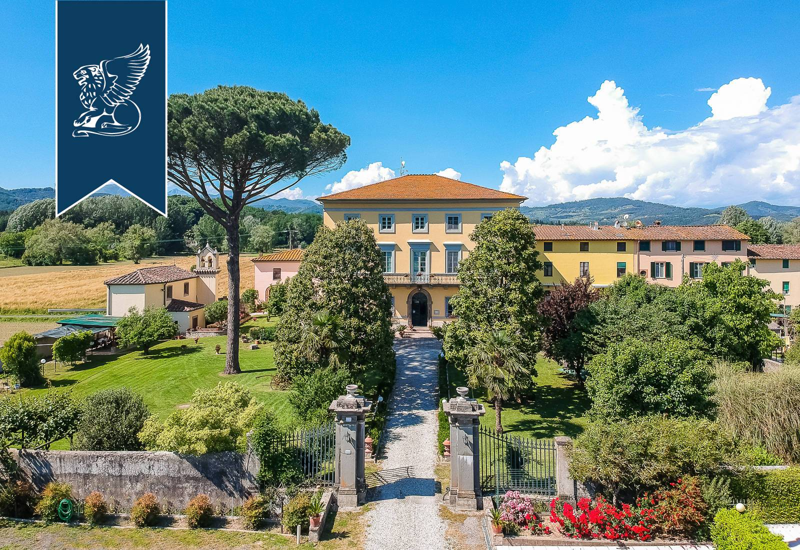 Villa in Vendita a Lucca: 0 locali, 1500 mq - Foto 2