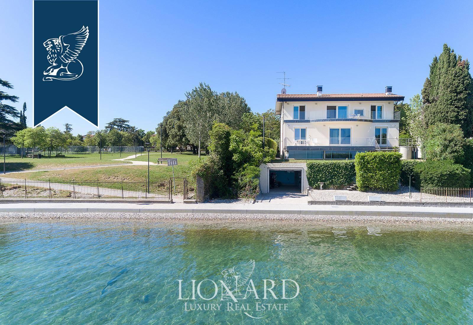 Villa in Vendita a Desenzano Del Garda: 500 mq
